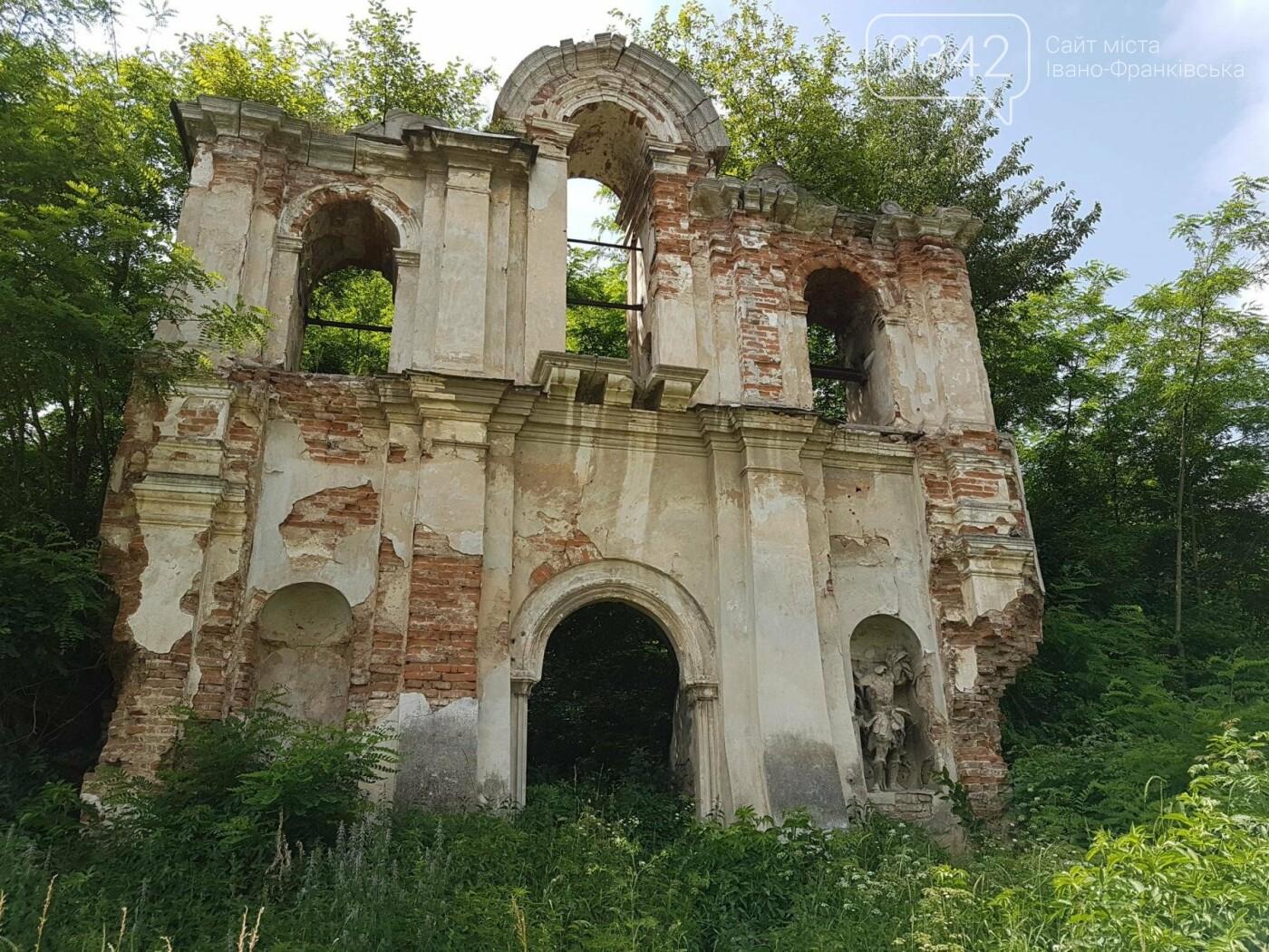 На Івано-Франківщині руйнується майже 100-річний костел. ФОТО, фото-8