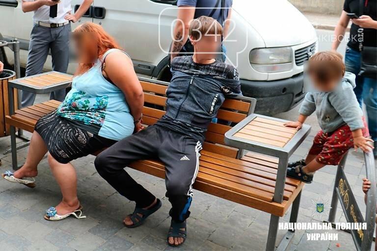 Закарпатець намагався продати 3-місячного сина на франківському вокзалі. ФОТО, фото-3
