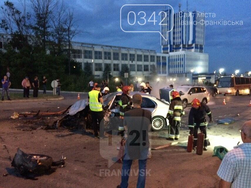 У Івано-Франківську зіткнулися чотири автомобілі. За попередніми даними п'ятеро травмованих (фото), фото-3