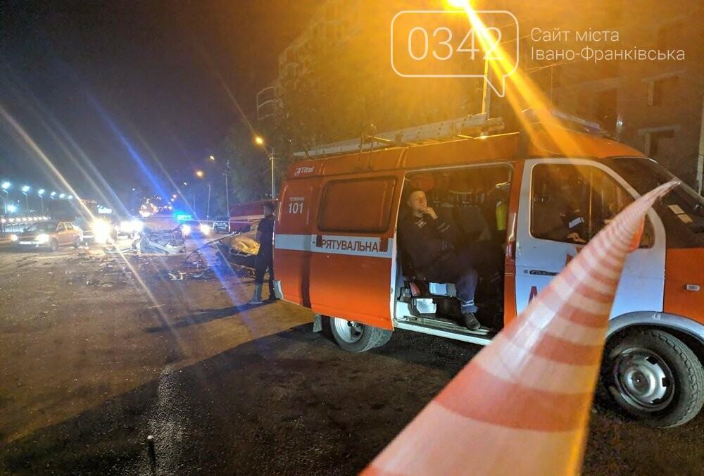У Івано-Франківську зіткнулися чотири автомобілі. За попередніми даними п'ятеро травмованих (фото), фото-5