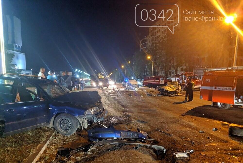 У Івано-Франківську зіткнулися чотири автомобілі. За попередніми даними п'ятеро травмованих (фото), фото-6