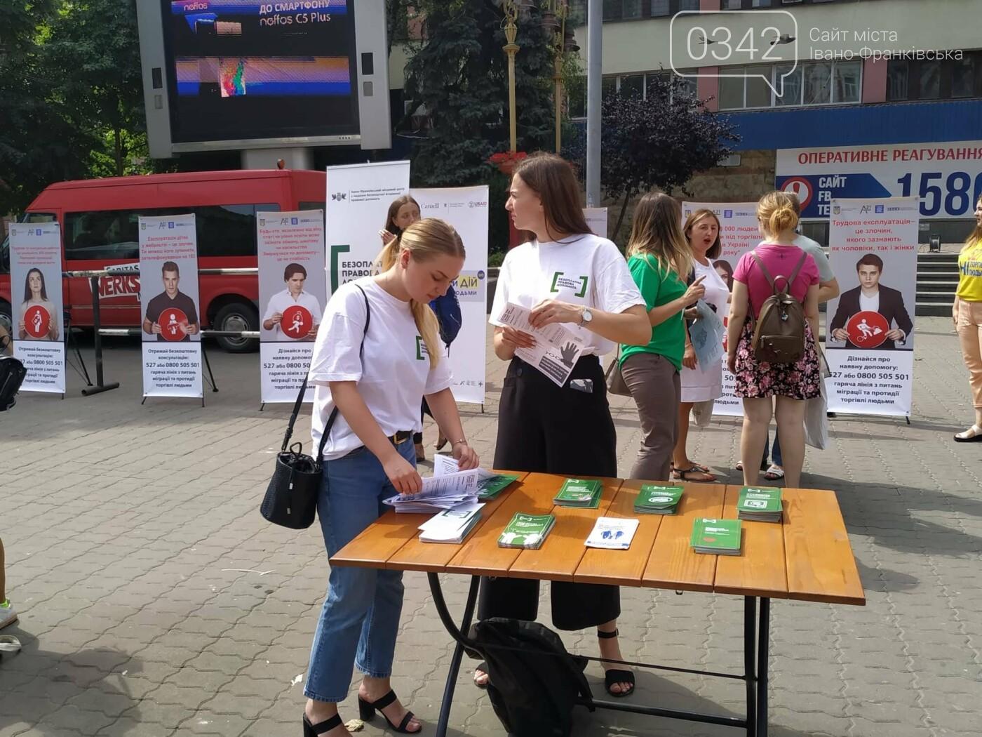 Як не потрапити у рабство: у центрі Франківська проходить квест-лабіринт (ФОТО), фото-1