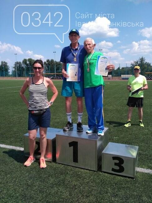 81-річний викладач із Івано-Франківська встановив світовий рекорд, фото-1