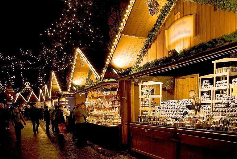 Шопка, будиночок Святого Миколая та гарячий глінтвейн – як відбуватиметься цьогорічний Новорічно-Різдвяний ярмарок у Івано-Франківську