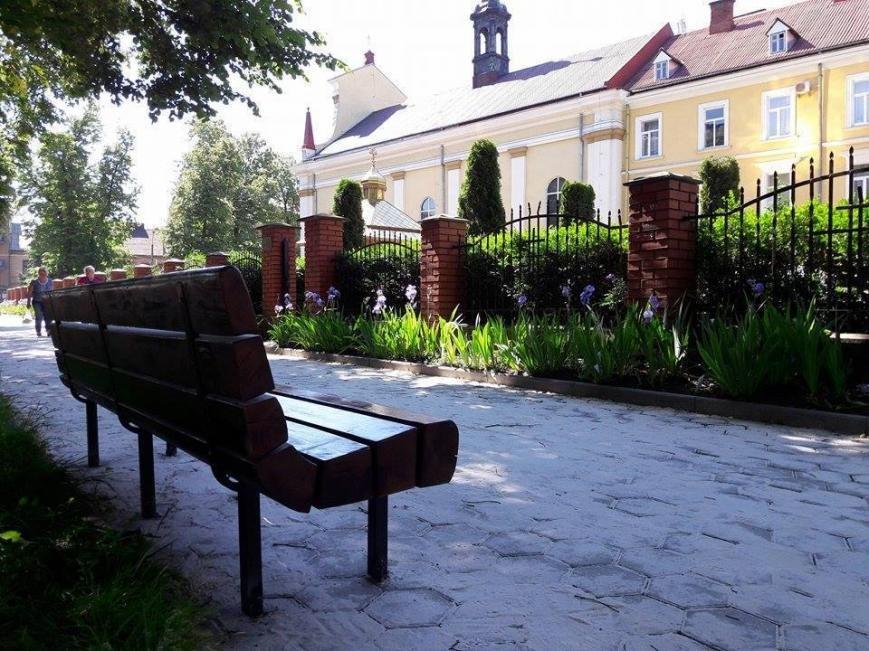 На вулиці Грюнвальдській встановили лавки. ФОТО, фото-3