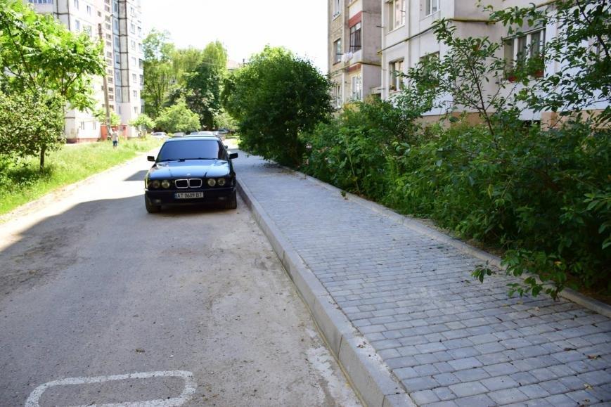 """Руслан Марцінків """"похвалився"""" новими пішохідними доріжками на вул. Хоткевича. ФОТО, фото-2"""