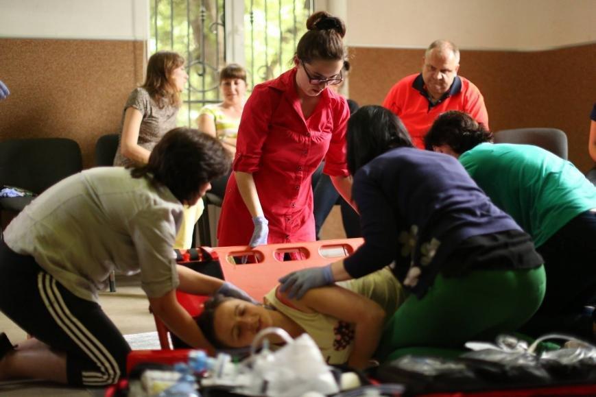 Івано-франківські медики вчаться надавати першу медичну допомогу. ФОТО, фото-2