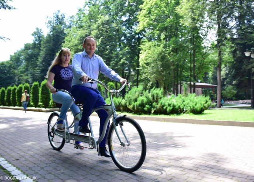 Франківці зможуть взяти велосипед напрокат. Міський голова вже спробував. ФОТО, фото-2