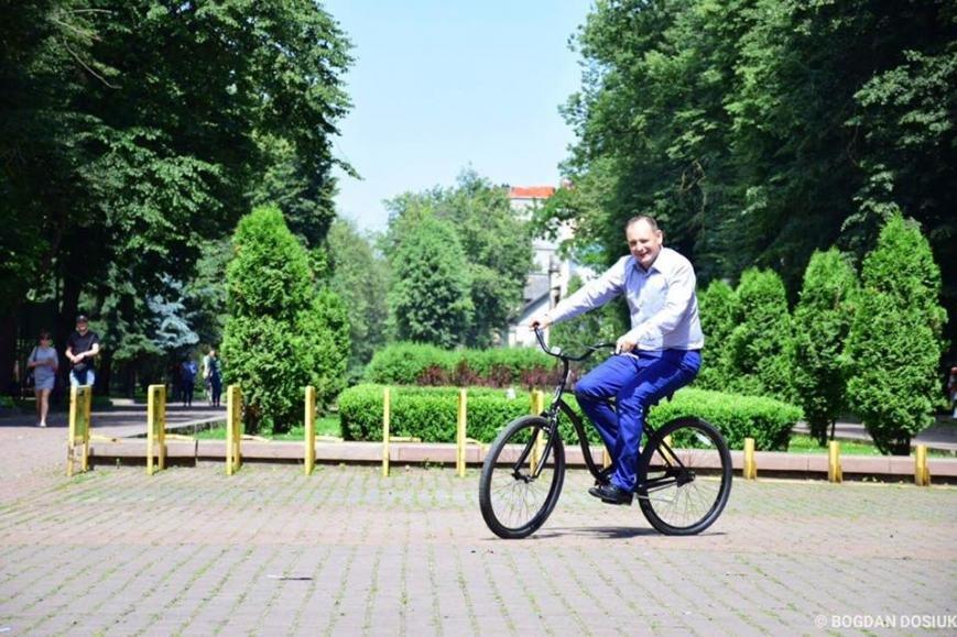Франківці зможуть взяти велосипед напрокат. Міський голова вже спробував. ФОТО, фото-3