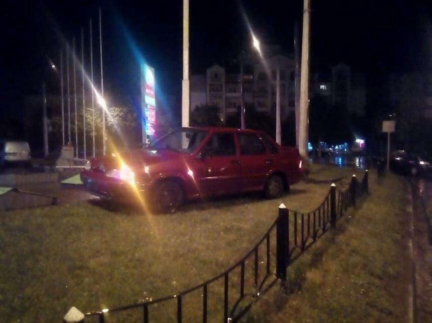 Вночі у Франківську сталася потрійна ДТП. ФОТО, фото-2
