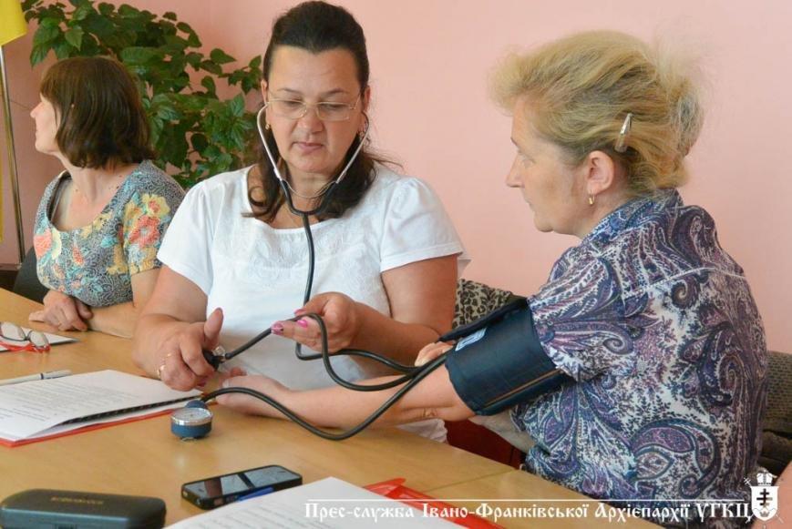 Соціальних працівників вчили доглядати за хворими. ФОТО, фото-1