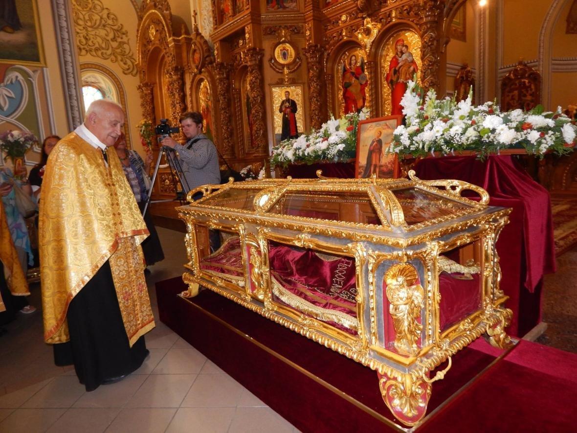 До Івано-Франківська привезли мощі, які понад 200 років не залишали монастир. ФОТО, фото-1