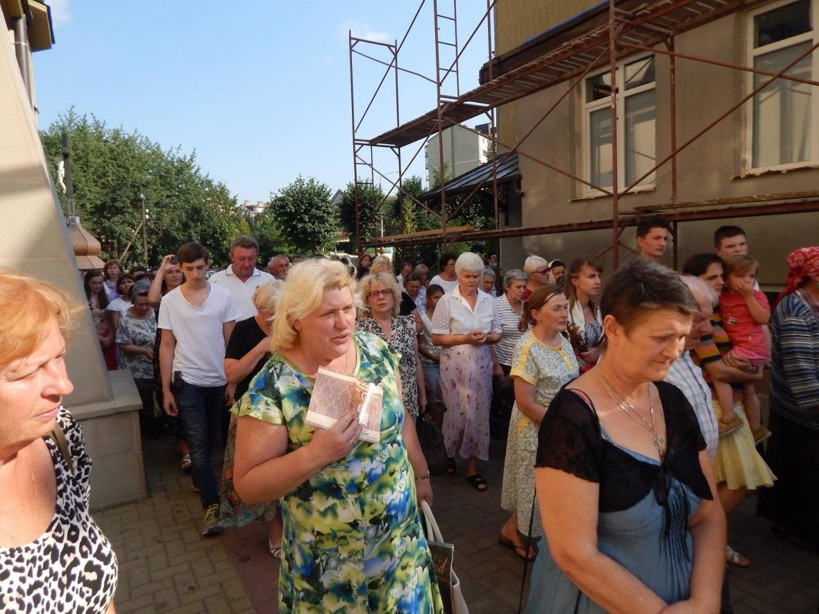 До Івано-Франківська привезли мощі, які понад 200 років не залишали монастир. ФОТО, фото-3
