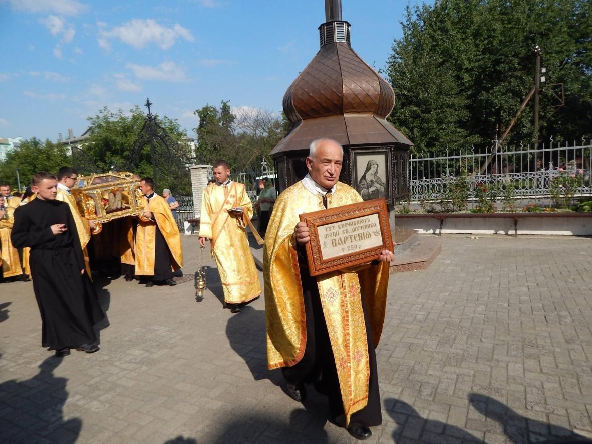 До Івано-Франківська привезли мощі, які понад 200 років не залишали монастир. ФОТО, фото-6