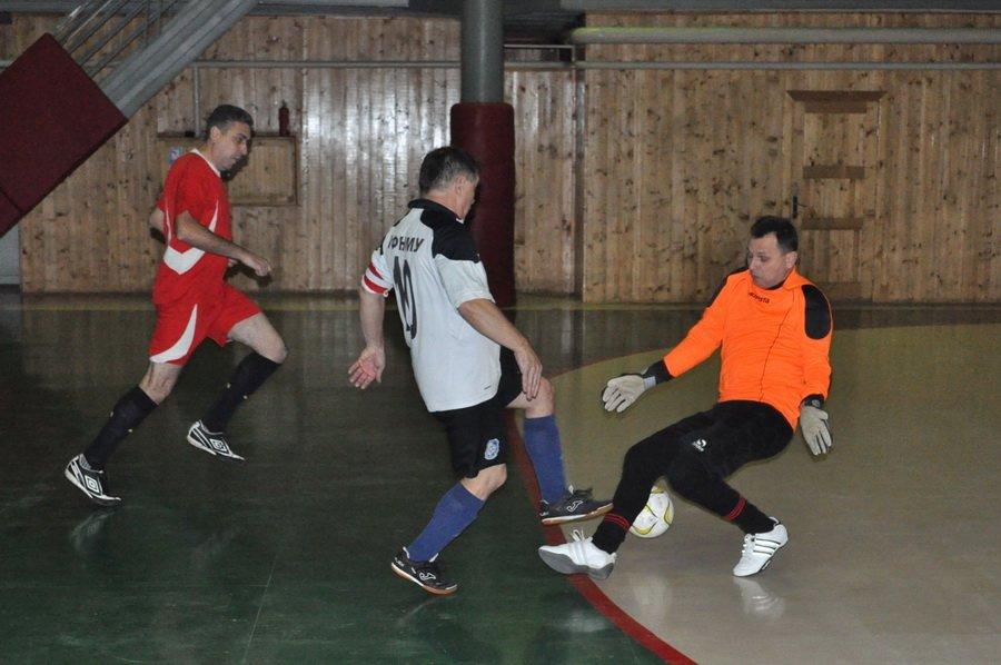 Франківські медики зіграли в футбол зі священиками. ФОТО, фото-3