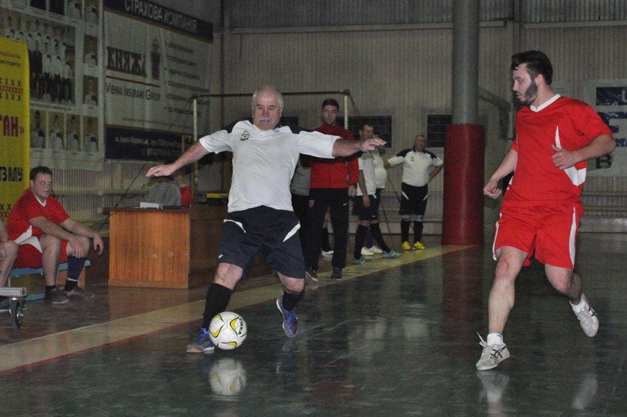 Франківські медики зіграли в футбол зі священиками. ФОТО, фото-6