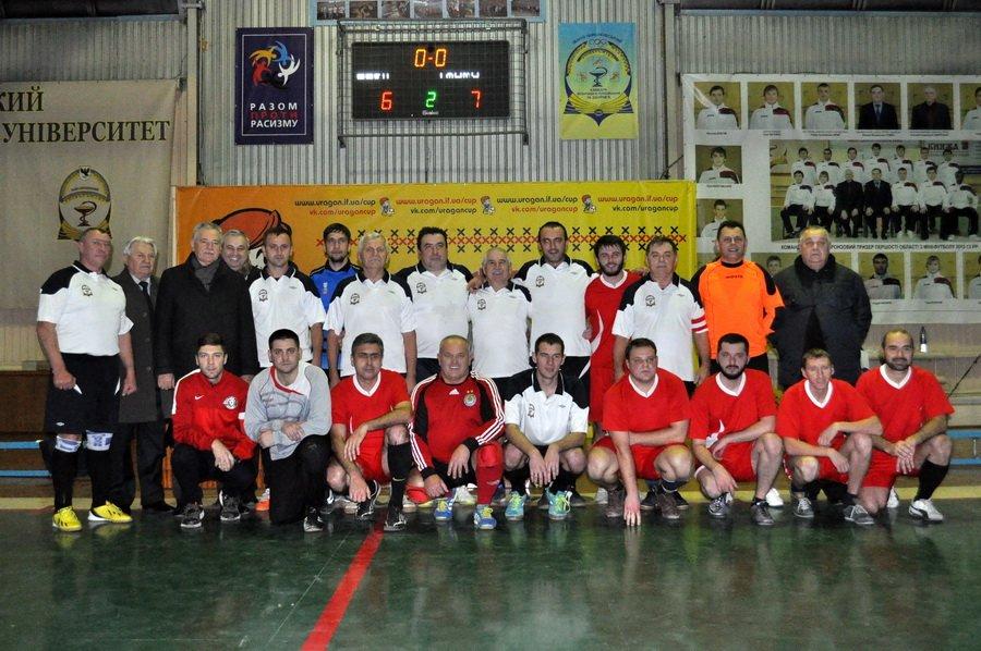 Франківські медики зіграли в футбол зі священиками. ФОТО, фото-1