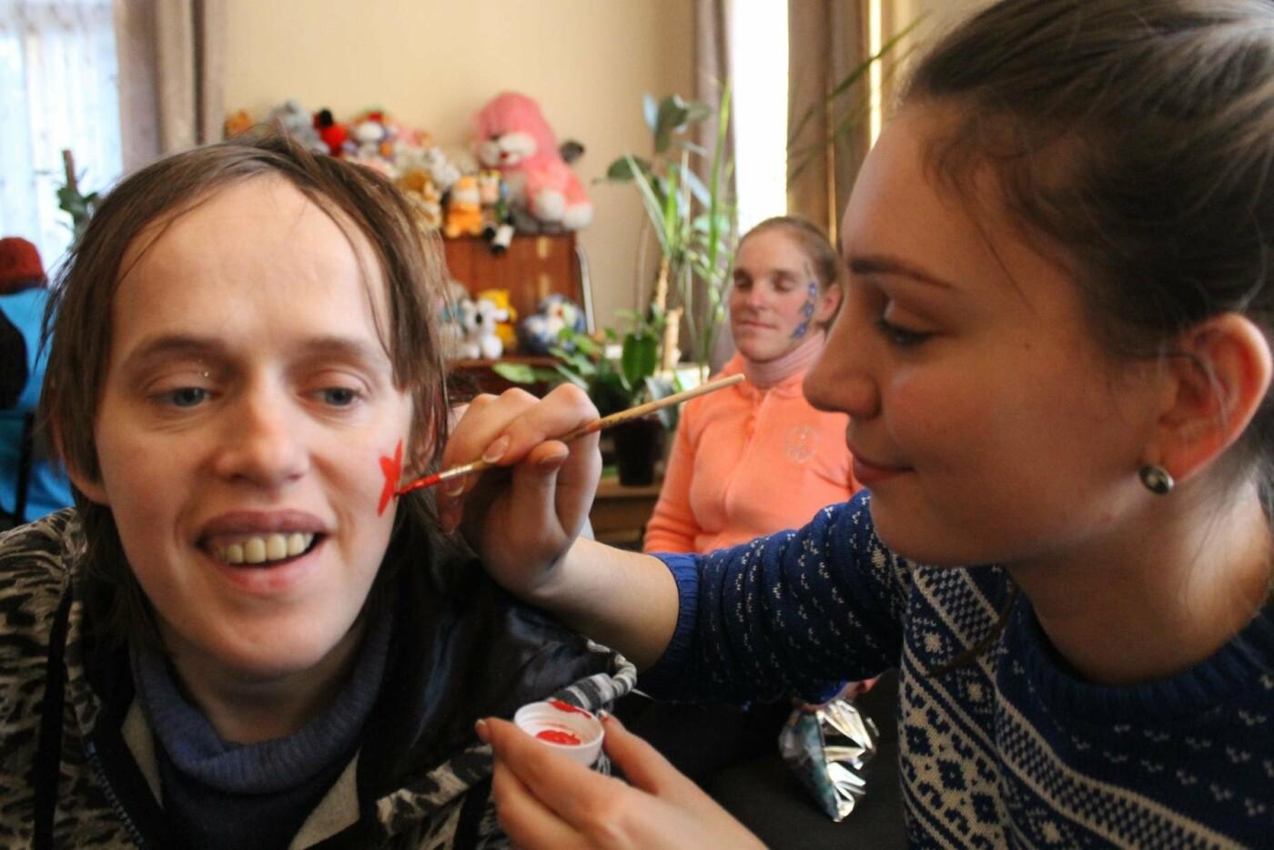 Франківський Карітас організував свято для вихованців Коломийського дитячого будинку-інтернату. ФОТО, фото-1