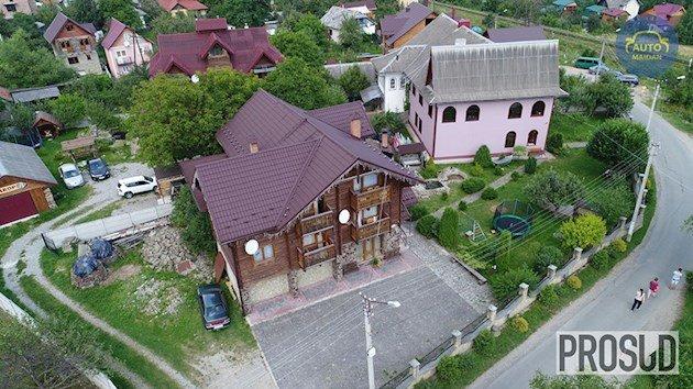 Елітні маєтки й авто: в мережі показали, як живе український прокурор. ВІДЕО, фото-1