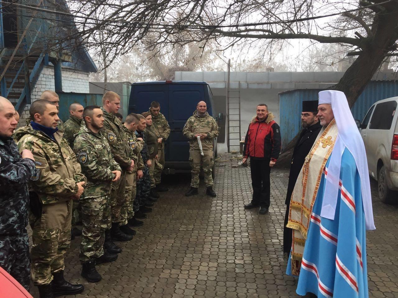 Івано-франківські священики і благодійники поїхали у зону АТО. ФОТО, фото-4