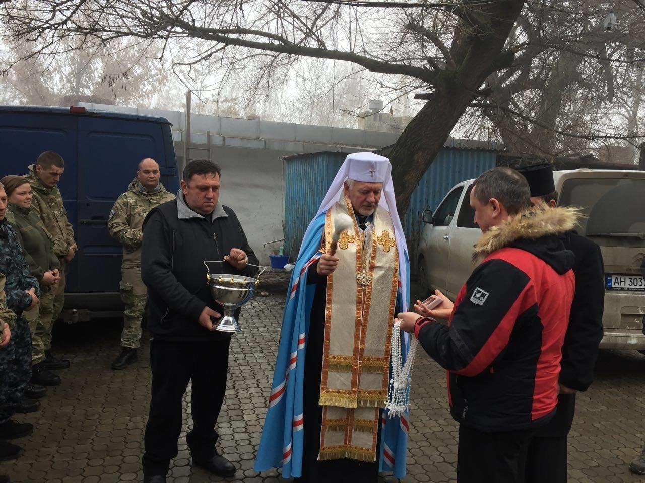 Івано-франківські священики і благодійники поїхали у зону АТО. ФОТО, фото-5