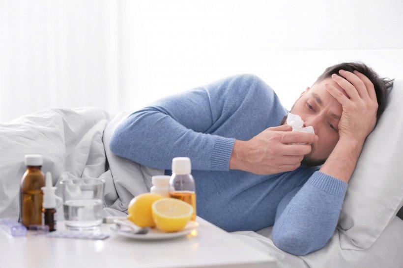 Учені пояснили, чому організм чоловіків важче переносить застуду і грип, фото-1