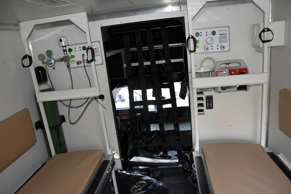 Прикарпатські військові у зоні АТО отримали медичні авто. ФОТО, фото-1