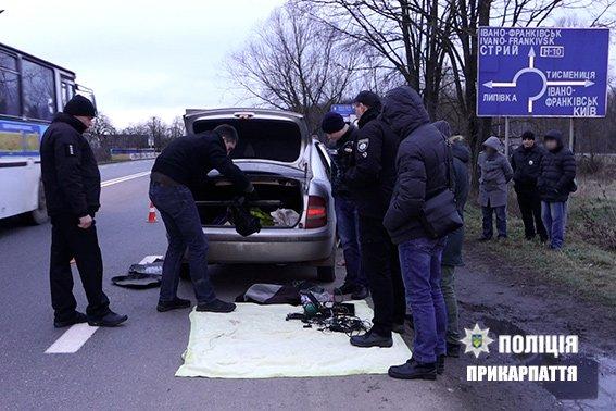 """На Прикарпатті затримали підозрюваних крадіїв-""""домушників"""". ФОТО, фото-2"""