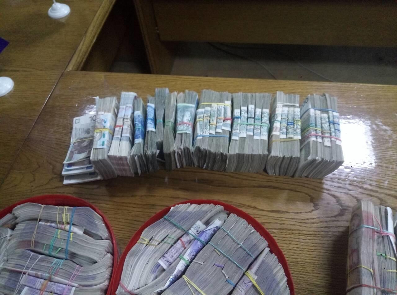 Прикарпатець намагався вивезти за кордон рекордну кількість валюти. ФОТО. ВІДЕО, фото-1
