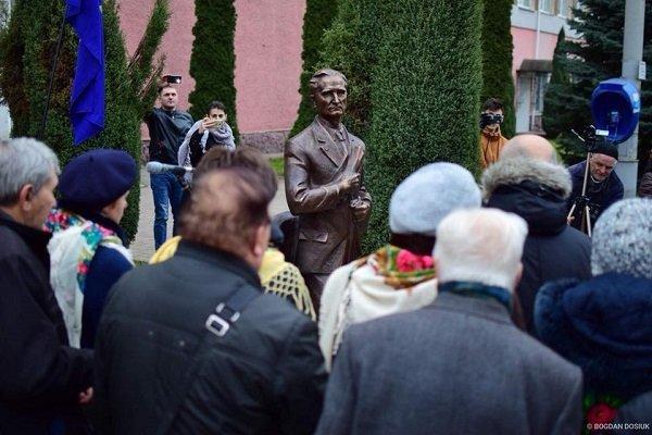 У Франківську відкрили пам'ятник Андрію Мельнику. ФОТО, фото-1