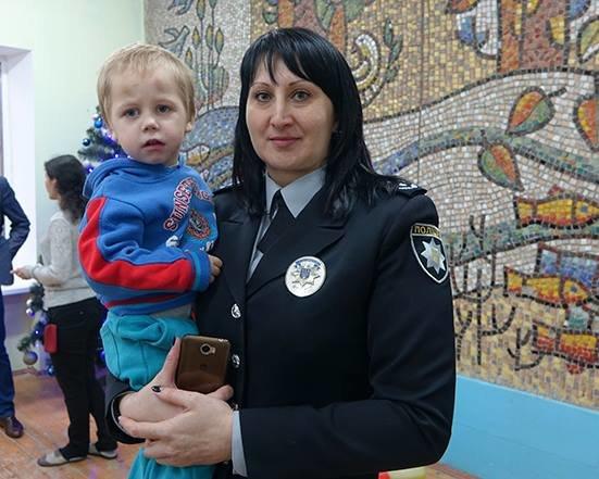 До Дня Святого Миколая прикарпатські правоохоронці привітали дітей подарунками. ФОТО, фото-1