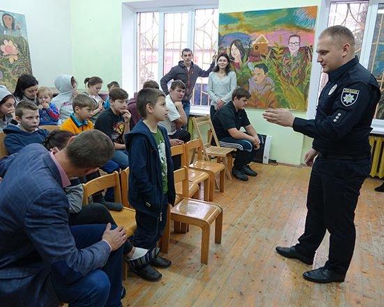 До Дня Святого Миколая прикарпатські правоохоронці привітали дітей подарунками. ФОТО, фото-3