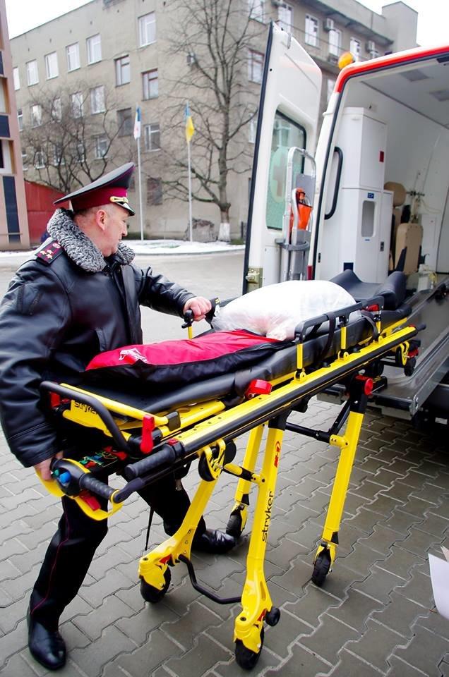 Міські рятувальники отримали сучасний реанімобіль. ФОТО, фото-1