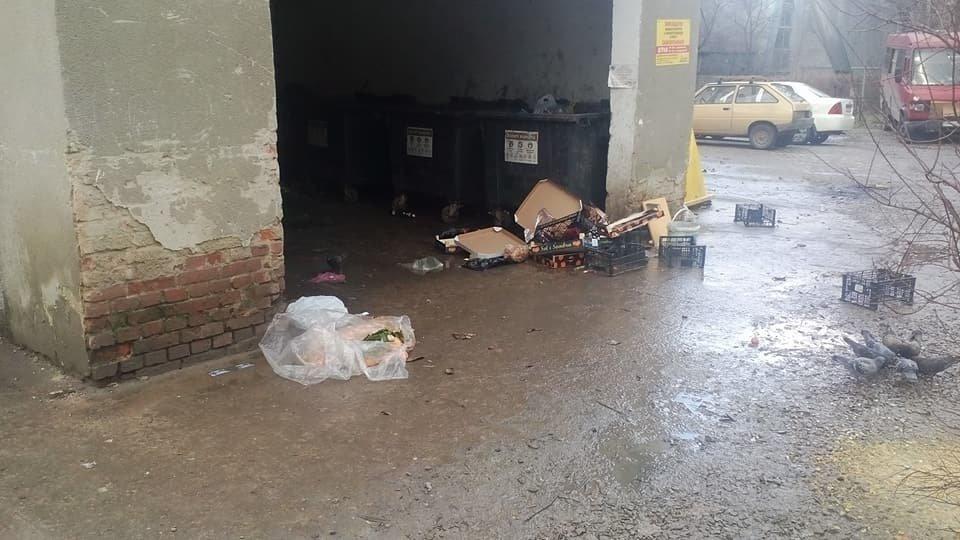 Непотріб із франківського супермаркету не доносять до смітників. ФОТО, фото-5