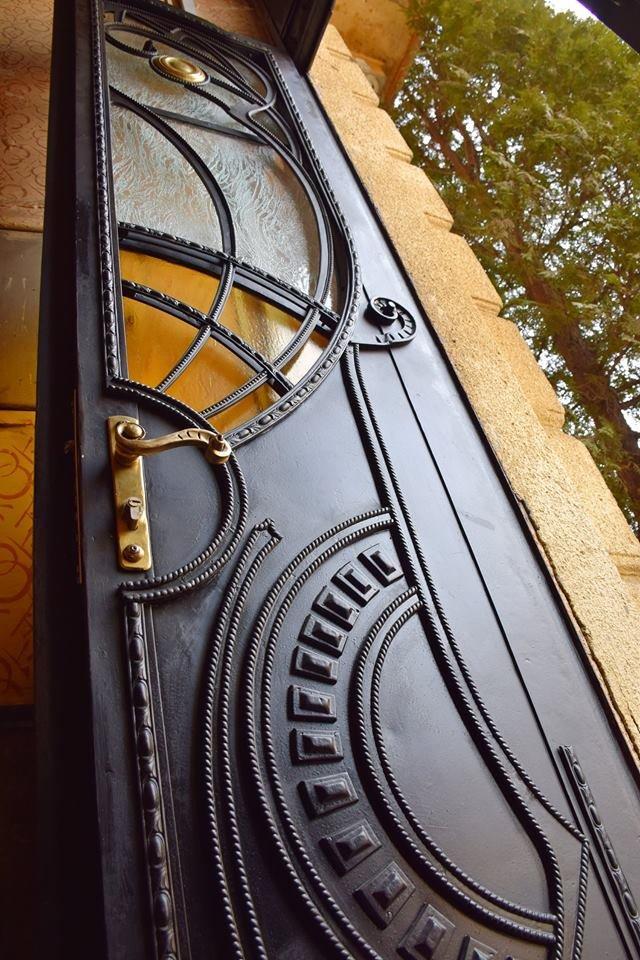 Активісти поновили старовинні двері по вулиці Грушевського. ФОТО, фото-1