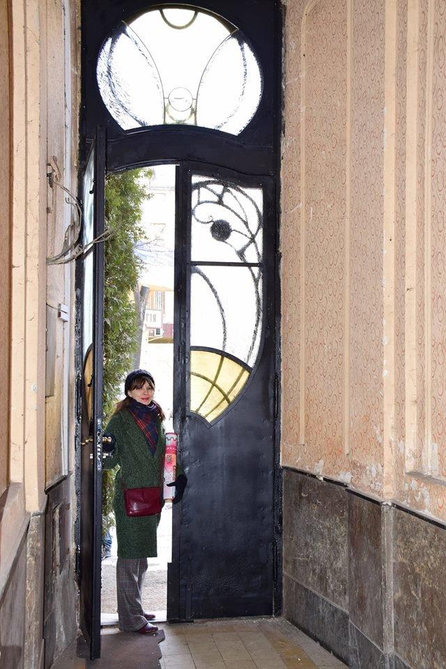 Активісти поновили старовинні двері по вулиці Грушевського. ФОТО, фото-3
