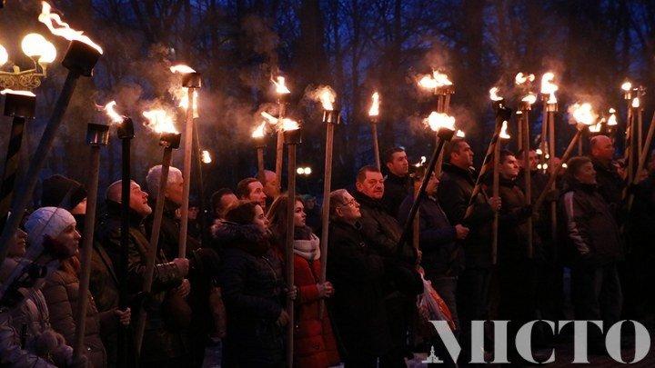 Франківськом пройшлась пам'ятна хода на честь Героїв Небесної Сотні. ФОТО, фото-1