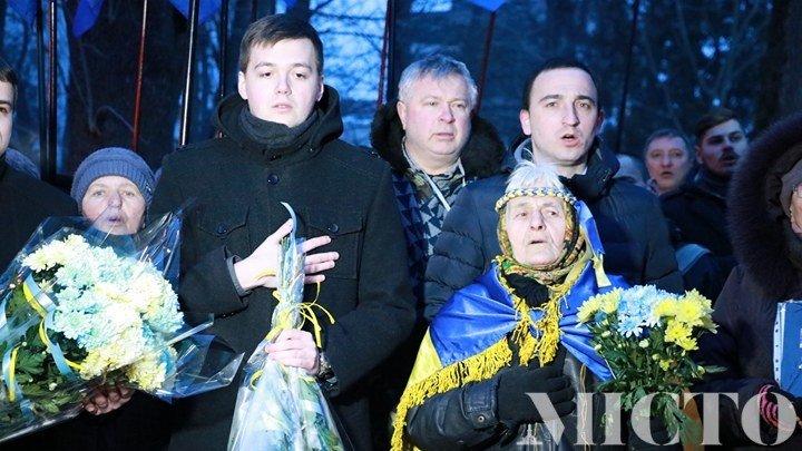 Франківськом пройшлась пам'ятна хода на честь Героїв Небесної Сотні. ФОТО, фото-5