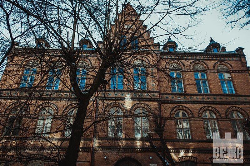 Архітектурна сирота у центрі Івано-Франківська. ФОТО, фото-18