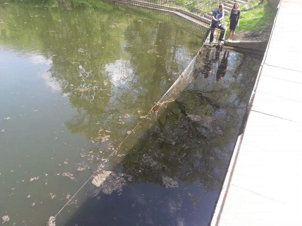 У Франківську затримали браконьєрів, які ловили рибу в міському озері. ФОТО, фото-3