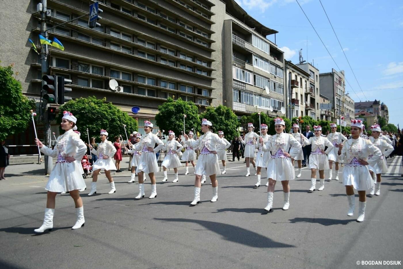 Франківськ привітали урочистою тисячною ходою. ФОТО, фото-8