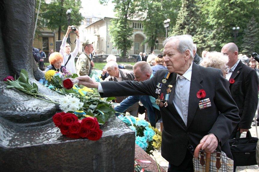 В Івано-Франківську вшанували загиблих у Другій світовій війні. ФОТО, фото-5