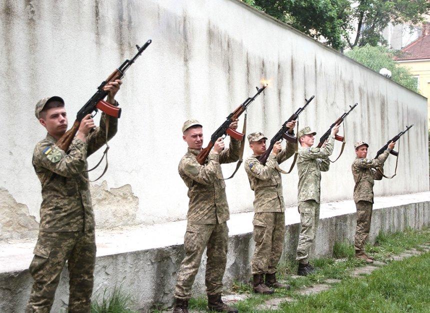 В Івано-Франківську вшанували загиблих у Другій світовій війні. ФОТО, фото-6