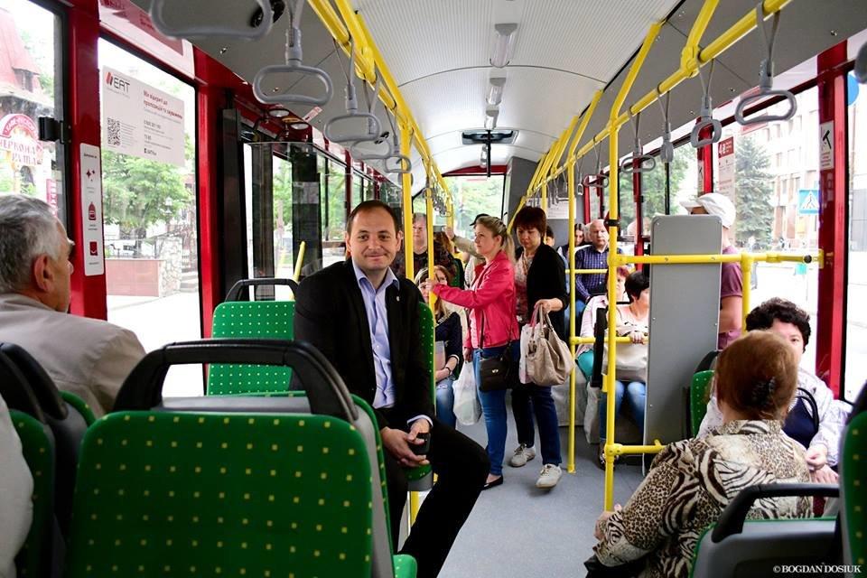 Міський голова Франківська проїхався у комунальному автобусі за 4 гривні. ФОТО, фото-4