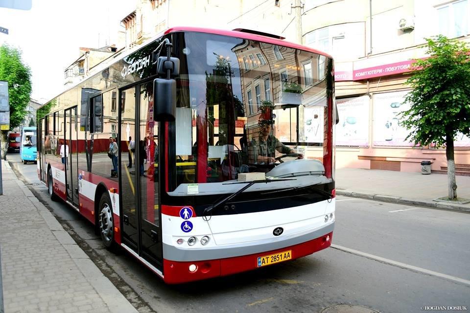 Міський голова Франківська проїхався у комунальному автобусі за 4 гривні. ФОТО, фото-5