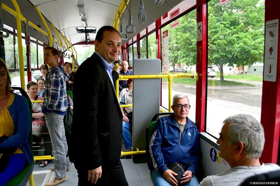 Міський голова Франківська проїхався у комунальному автобусі за 4 гривні. ФОТО, фото-7