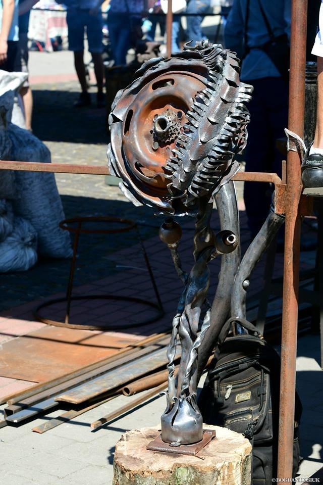 В Івано-Франківську розпочалось свято ковалів. Місто матиме ще одну ковану скульптуру. ФОТО, фото-2