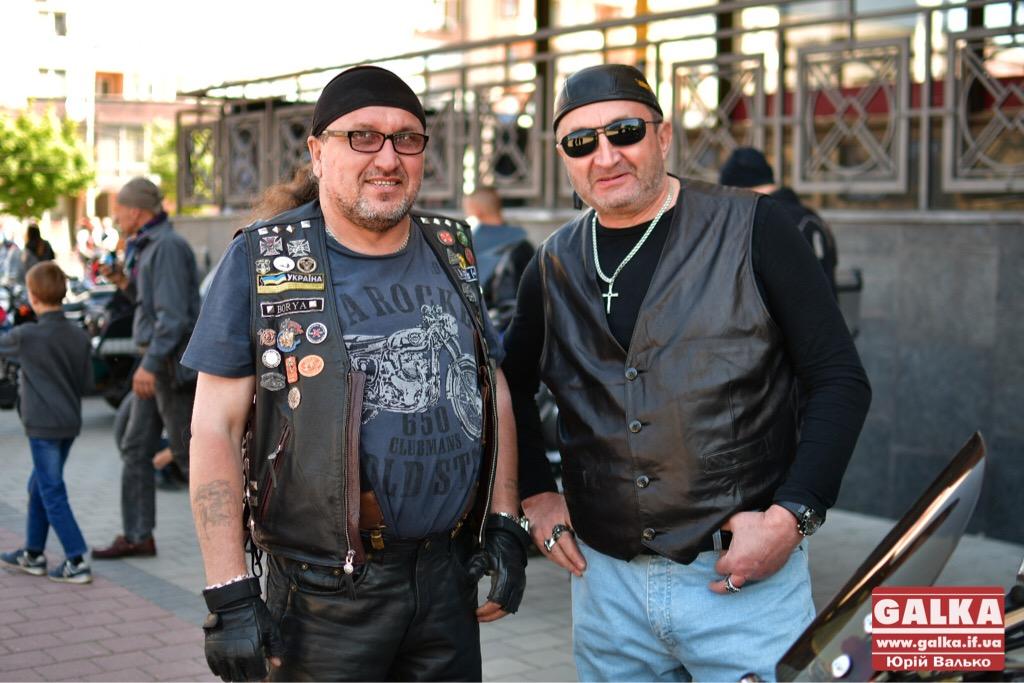 День машин у Франківську: автослалом, ретро і байкери. ФОТО, фото-2