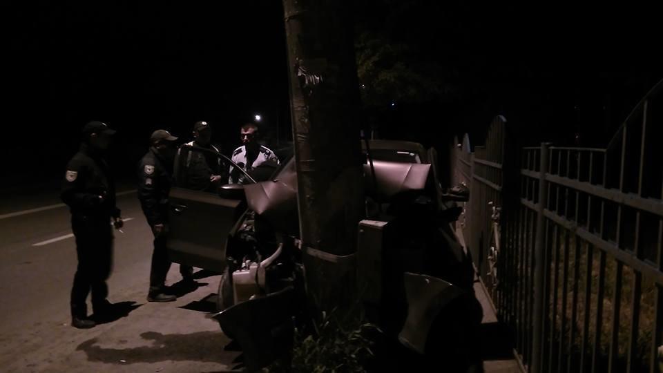 Придрімав. Уночі біля Франківська авто в'їхало в електроопору. ФОТО, фото-5
