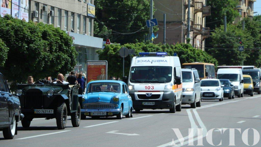 День машин у Франківську: автослалом, ретро і байкери. ФОТО, фото-11